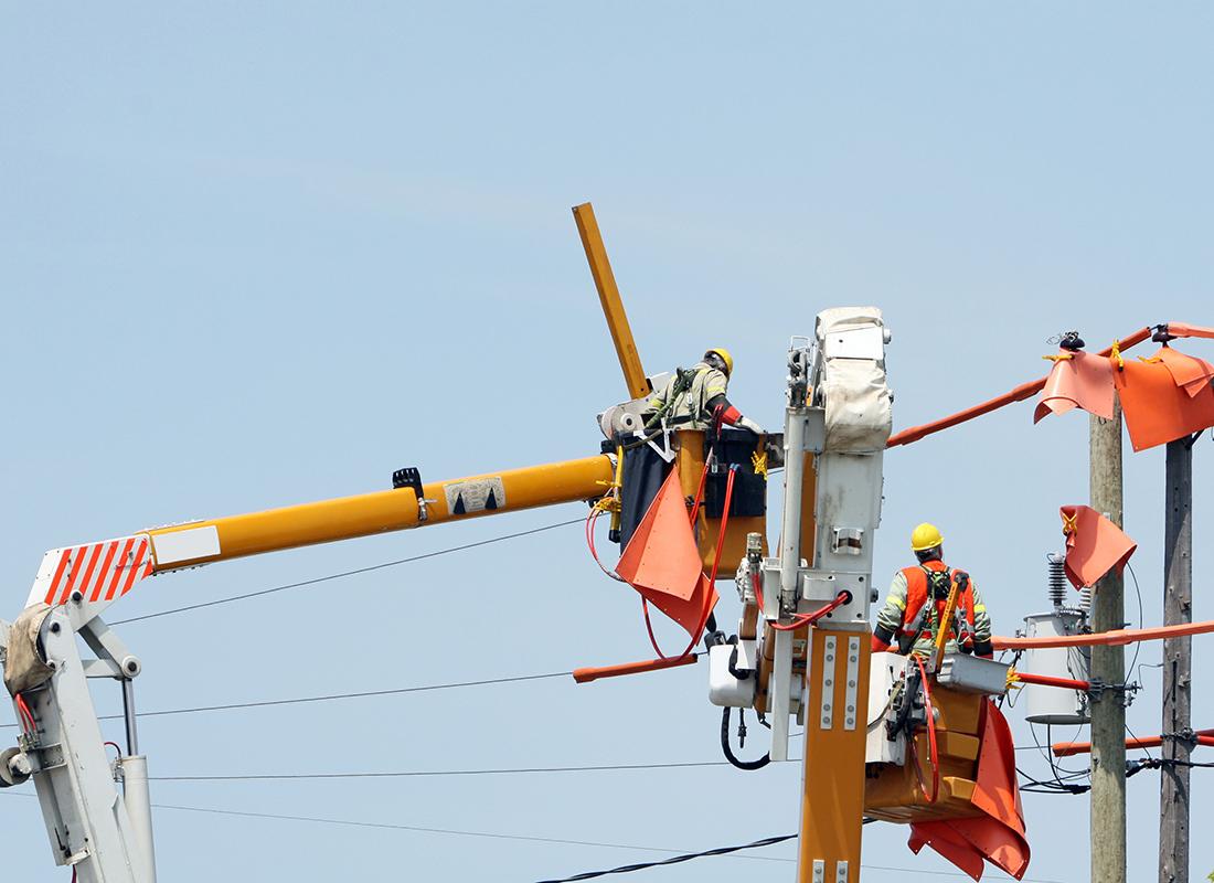 Powerline Technician: Occupations in Alberta - alis